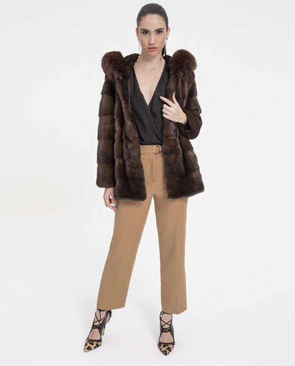 Abrigo de visón marrón con capucha de zorro Saga Furs marca De la Roca