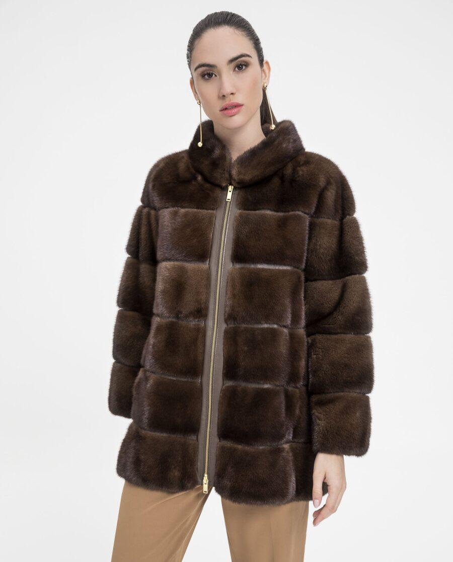 Abrigo de visón marrón con cremallera marca Marcelo Rinaldi