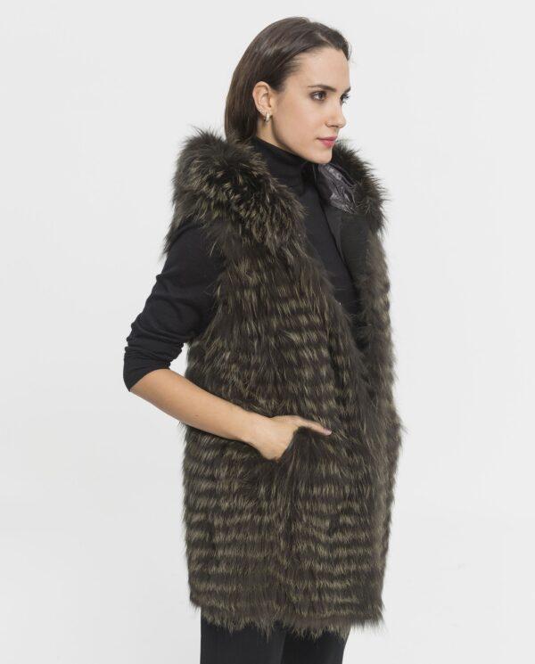Abrigo de zorro verde con capucha para mujer marca De la Roca