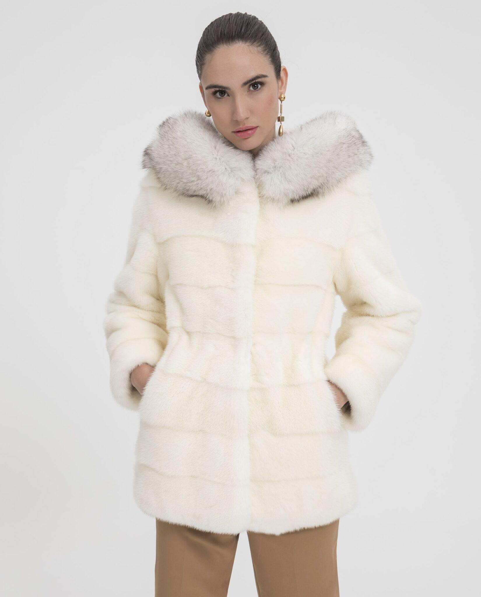 Abrigo de mujer De la Roca de visón Saga blanco con capucha