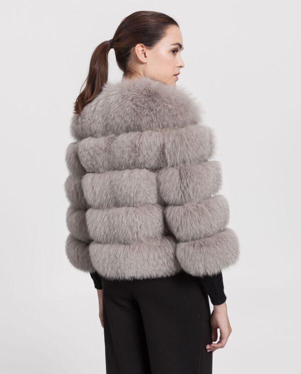 Chaquetón de zorro gris para mujer con lomos horizontales marca Marcelo Rinaldi
