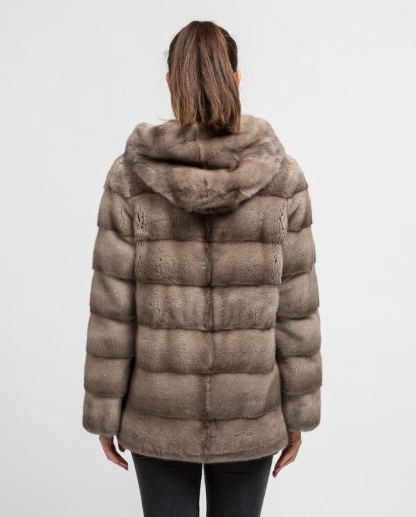 Abrigo gris corto de pelo de visón con capucha para mujer marca De la Roca espalda con capucha