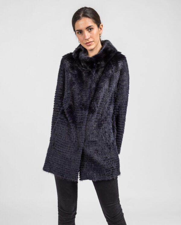 Abrigo de pelo de visón en color azul oscuro reversible con punto y trabajado con estilo linner marca Swarz