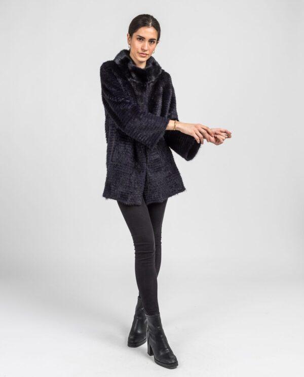 Abrigo de pelo de visón en color azul oscuro reversible con punto y trabajado con estilo linner marca Swarz manga