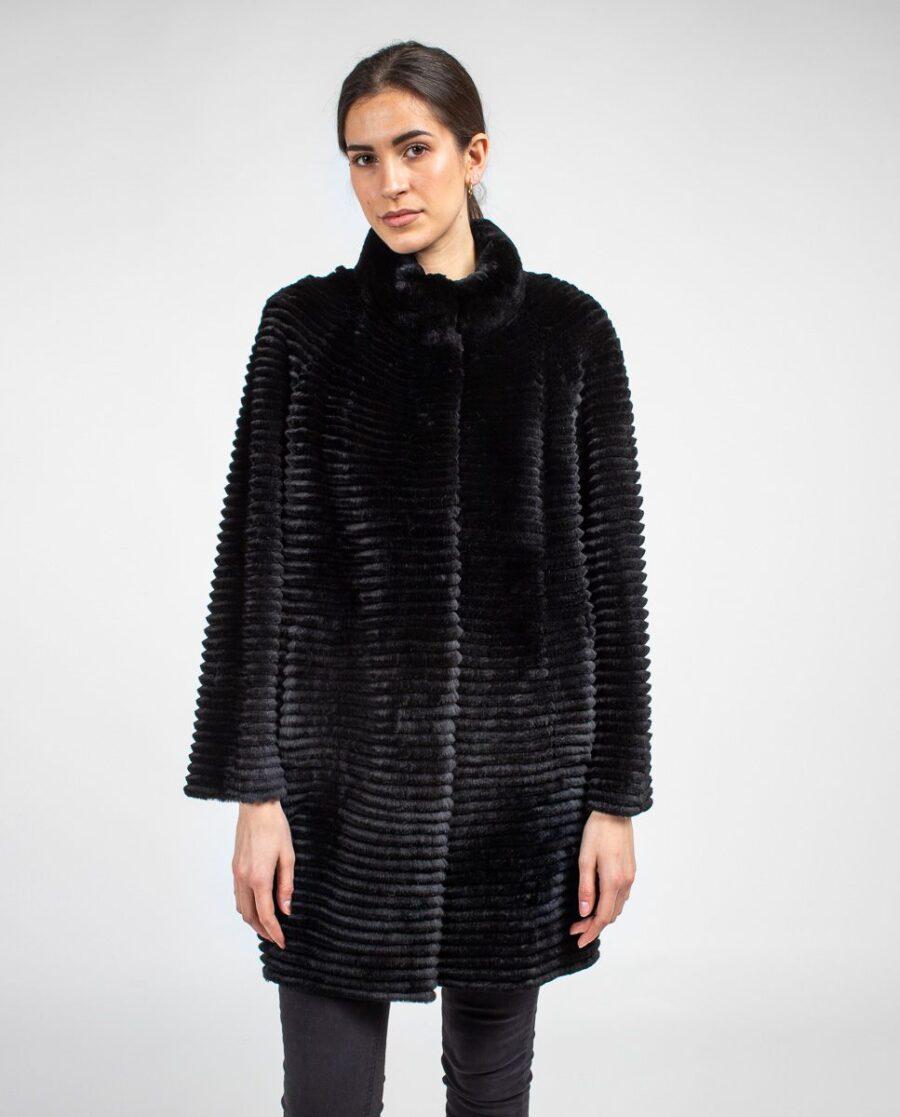 Abrigo negro de pelo rex rasado; reversible con punto para mujer marca Swarz cuerpo entero