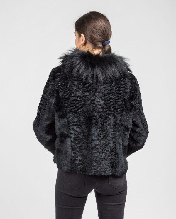 Chaqueta de rex astracanado en color negro con cuello de zorro al tono marca De la Roca espalda